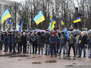 Луганские активисты вынуждены самоорганизовываться и самовооружаться