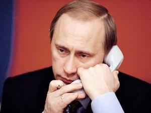 Путин с британским премьером обсудили Украину по телефону