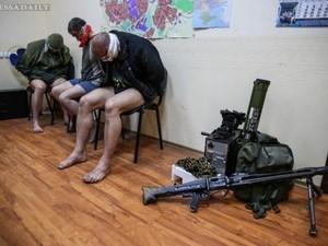 Двое из трех пленных офицеров отпущены