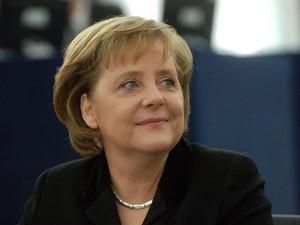"""""""Насилие для решения своих проблем применяться не должно"""" - Ангела Меркель"""