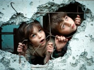 В это время Дмитрий Тымчук сообщил, что нелигитимные власти Славянска якобы хотят вывезти детей в Артек.