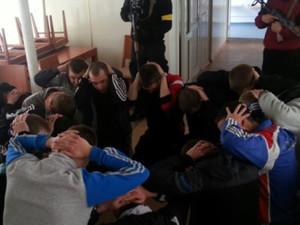 Ситуация в Луганске: ночная тревога и захват рабочих авиаремонтного завода