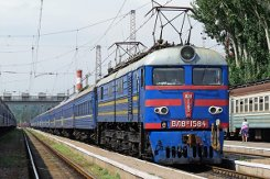 Луганские террористы захватывают поезда, следующие из города