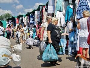 ЛНР собирает деньги для республики у предпринимателей на рынке