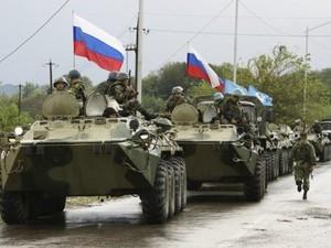 РФ введет войска и создаст гуманитарные коридоры на Востоке Украины