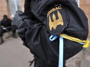 Петр Порошенко на требования митингующих пока никак не отреагировал.
