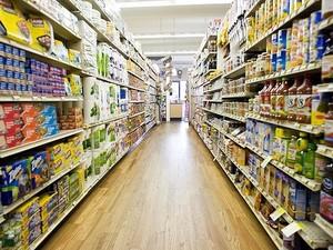В Луганске нет дефицита продуктов, но есть дефицит покупателей