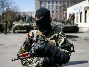 Славянские террористы движутся через Краматорск в Донецк