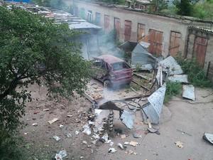 Обстановка в Луганске: взрывы и пожары (ФОТО, 18+)