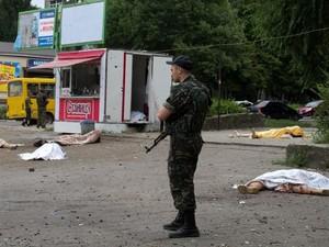 Обстрел Луганска продолжается весь день (ФОТО, ВИДЕО)