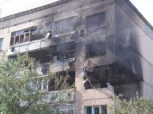 Утро в Луганске: пожары и обстрел аэропорта (ФОТО)
