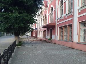 В Луганске ночью обстреляли Старый Центр