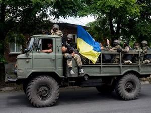 Лисичанск полностью под контролем, террористы обстреливают силы АТО, - Тымчук