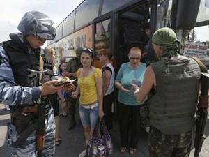 Луганчанам пообещали гуманитарный коридор