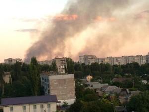 В Луганске обстреливают завод ОР и Старый центр