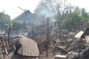 Разрушения в Снежном после артобстрела