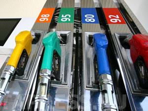 В Крыму уже четыре дня наблюдается дефицит самых востребованных марок бензина