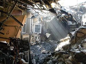 По словам замкомбата, в Луганске идет уличная война.