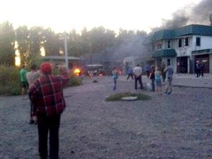Наиболее критическая ситуация с обстрелом домов мирных жителей наблюдается в г.Донецк, Счастье, Лисичанск.