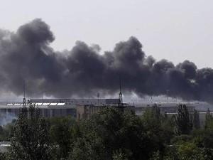 В Донецке продолжается штурм аэропорта: жилые районы вокруг повреждены