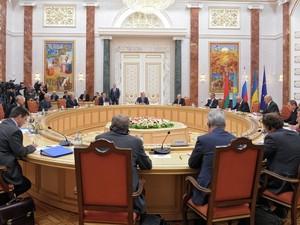 О чем договорились в Минске: зона безопасности, прекращение огня, контроль за границей