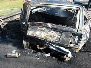 Сегодня на фугасе подорвался автомобиль с мирными жителями, погибло четыре человека.