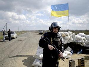 По словам украинских военных, ответный огонь они вести не могут.