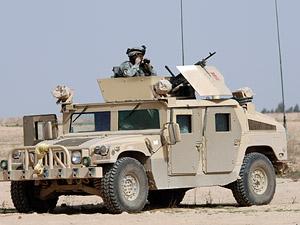 Автомобиль Humvee ― это американский армейский вездеход, стоящий на вооружении в ВС США