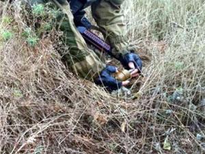 Устройство было тщательно замаскировано, но благодаря опытным действиям сотрудников СБУ, обнаружено и обезврежено.