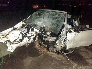 Водитель и его 17-летняя пассажирка в тяжелейшем состоянии доставлены в одну из больниц Днепропетровска