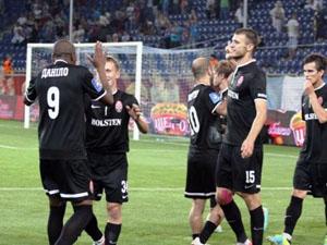 Во втором тайме «Заря» насела на ворота «Амкара»